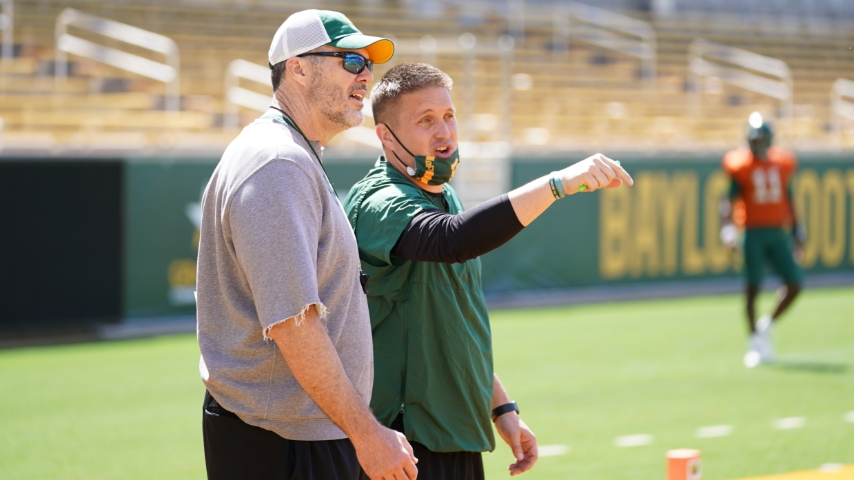 Shawn Bell addresses the strengths of Baylor's quarterbacks for 2021